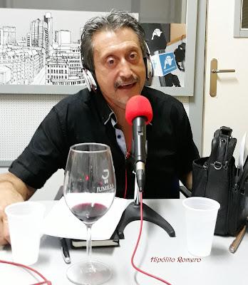 LO MEJOR DE COMER Y CHARLAR,RESUMEN DE UN AÑO DE RADIO