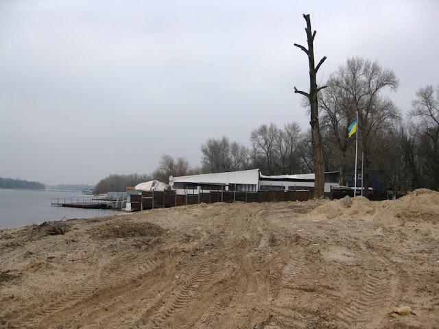 постройки на пляже