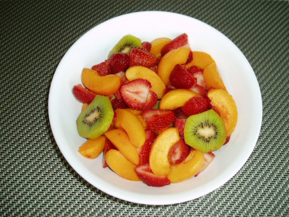 Meatless Mediterranean: Strawberry-Apricot Fruit Salad