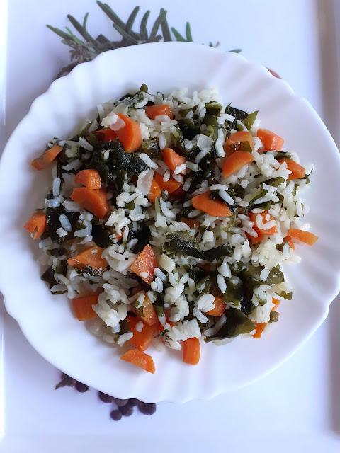 arroz com algas wakame