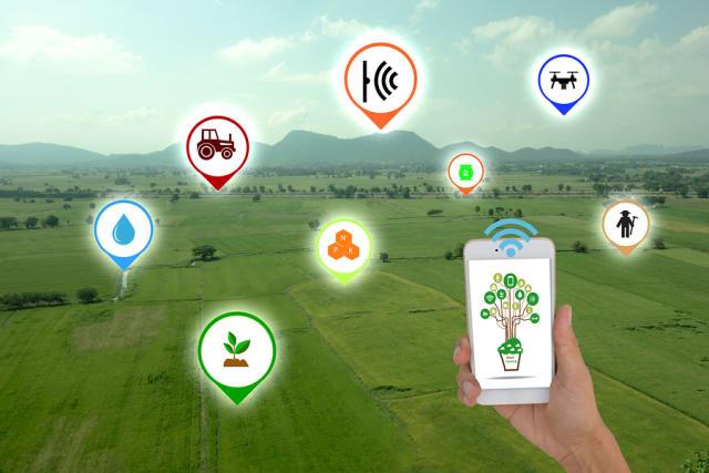 स्मार्ट कृषि और कृषि स्वचालन कृषि कार्य को आसान बनाते हैं और कृषि उत्पादकता बढ़ाते हैं.