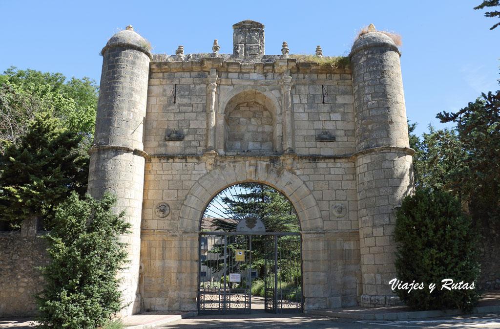 Puerta de entrada al Monasterio de la Santa Espina, Valladolid