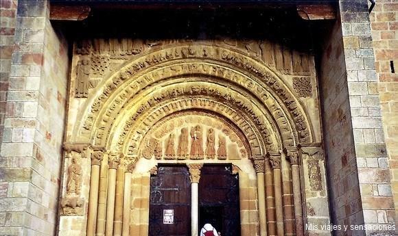 Portada del monasterio de San Salvador de Leyre, Yesa, Navarra
