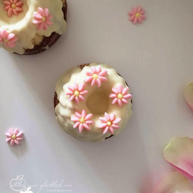 Mini Marmorgugelhupf im Sommerkleid