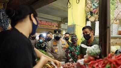 Wali Kota Bobby Tinjau Pusat Pasar, Pastikan Prokes dan Serap Aspirasi Pedagang