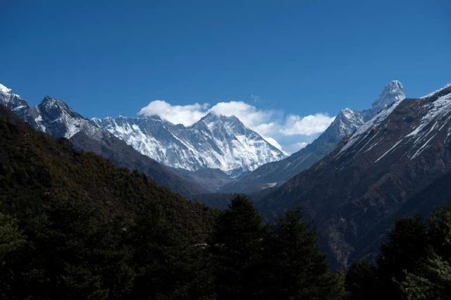 Nepal relaxes quarantine rules ahead of Everest season