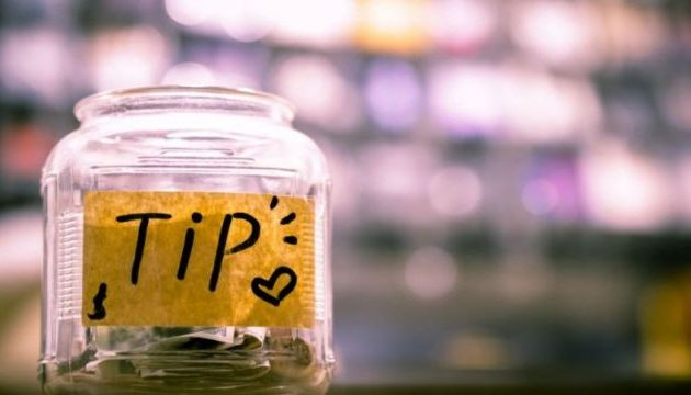 How much you should tip on your holiday