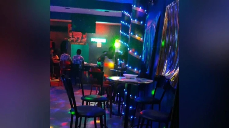 """Masacre sacude a Ciudad Juárez: Sicario acribilla a cuatro mujeres al interior de el bar """"El Manantial"""" en Chihuahua"""