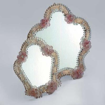 Specchi in vetro di Murano ovvero: quando il turismo era migliore