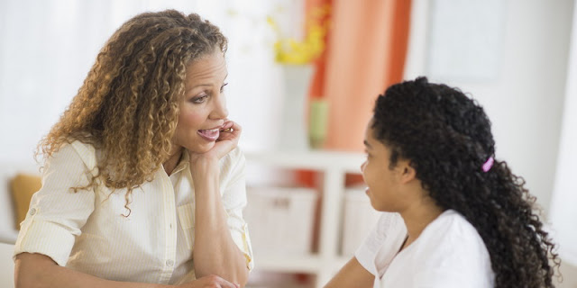 Anak Ketahuan Pacaran? Berikut yang Harus Dilakukan Orang Tua Sebelum Marah