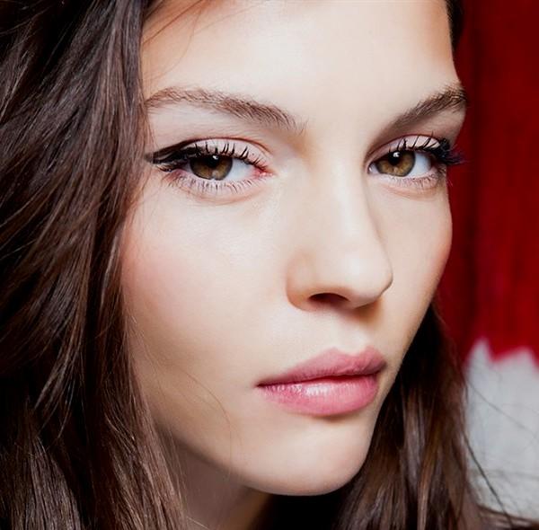 Tutorial make up untuk mata sipit