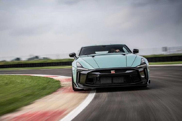 Nissan GT-R50 qua tay Italdesign tăng giá tới hơn 23 tỷ đồng