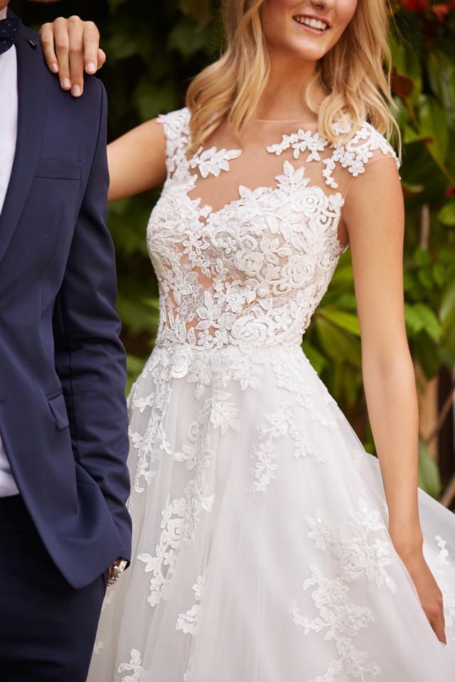 48664d10199 st. patrick pronovias white one vestidos de novia tatuaje bordado princesa
