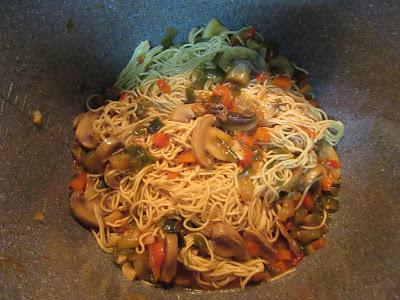 Fideos chinos vegetarianos olla GM