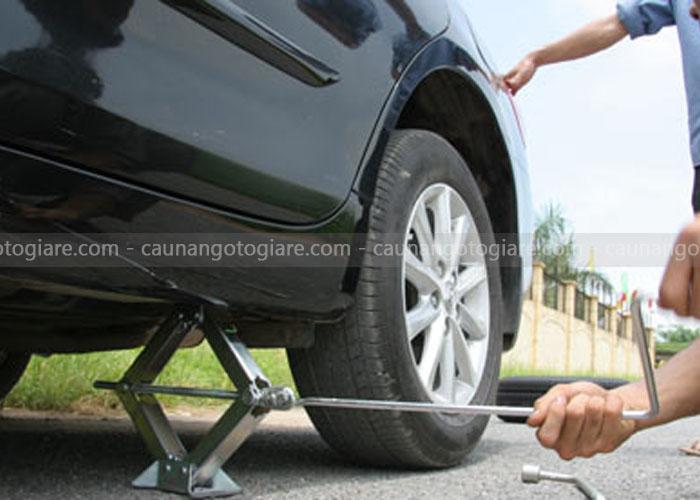 Thiết bị nâng hạ ô tô bằng tay