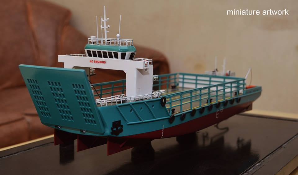 miniatur kapal lct toll jade general cargo ship milik perusahaan toll logistic asia ltd singapura