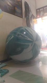 balon bentuk bulat dengan design fuul color