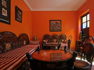 sala color naranja