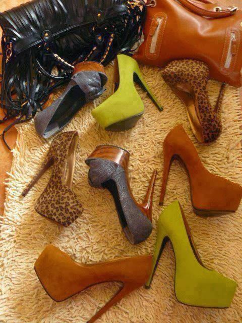 ... 30000 μοντέλα και περισσότερα από 500 000 ζευγάρια σε στοκ. Στη συλλογή  παπουτσιών της spartoo.gr μπορεί κανείς να βρει παπούτσια σε μεγάλα μεγέθη 047a9c36fd2