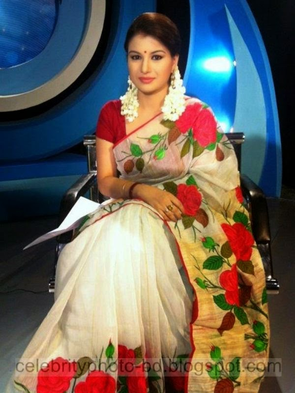 Top Bangladeshi Model & News Presenter Farhana Nisho's Latest Hot Photos Gallery 2014-2015 With Short Biography