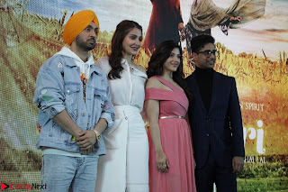 Anushka Sharma with Diljit Dosanjh at Press Meet For Their Movie Phillauri 053.JPG