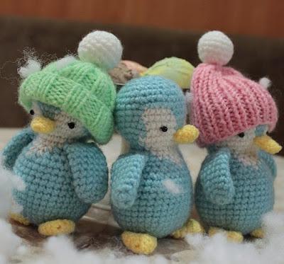 Пингвины игрушки амигуруми крючком
