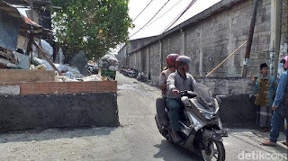 Viral, Jalan Umum di Tambak Wedi Baru Surabaya Diblokir Warga dengan Tembok