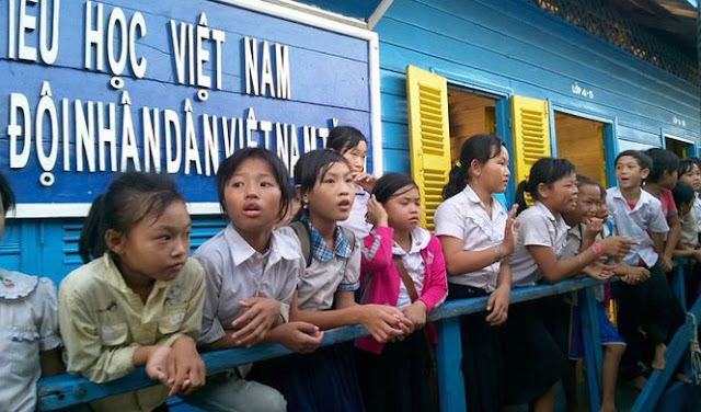 ​Cambodia starts issuing residency cards to ethnic Vietnamese