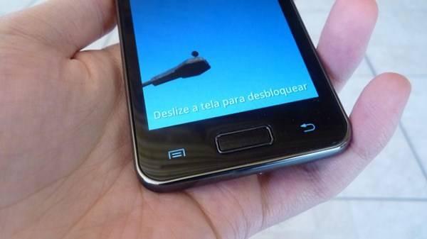 Botões inferiores do Galaxy S II Lite