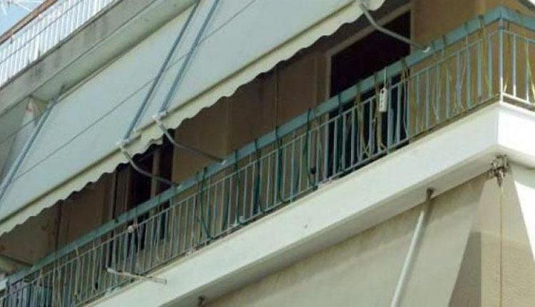 Σε βαριά κατάσταση παιδάκι που έπεσε από μπαλκόνι