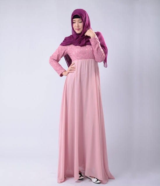 Hijab Style With Minimalist and Simple Dress.