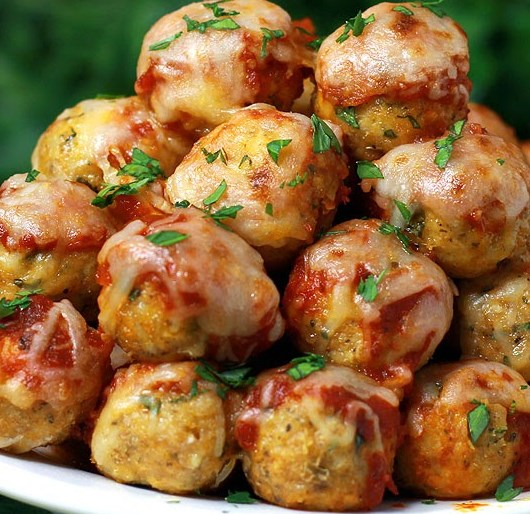 Chicken Parmesan Meatballs #dinner #comfortfood