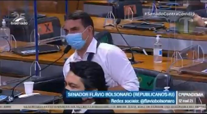 VÍDEO: Flávio Bolsonaro chama Renan Calheiros de 'vagabundo' na CPI