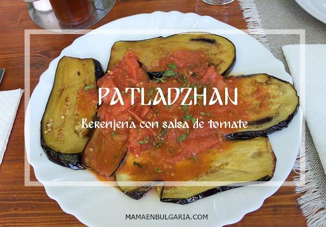 Patladzhan, berenjena con salsa de tomate, receta búlgara