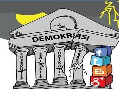Layakkah Demokrasi Diperjuangkan?