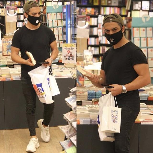 Kitap alışverişi yaparken görüntülenen şarkıcı Yusuf Güney, sosyal medya kullanıcılarını kızdıracak açıklamalar yaptı..