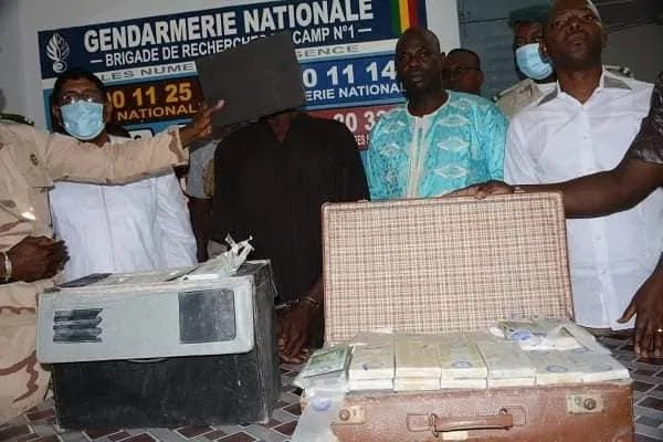 Troops arrest currency counterfeiting kingpin, seize 5.3bn fake notes