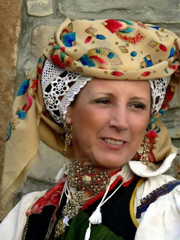 Vestido camponês do Vale de Ansó, Aragão, Espanha