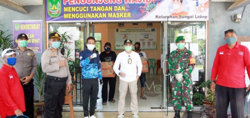 Pemko Batam Bagi 20.730 Paket Sembako untuk Warga Sagulung