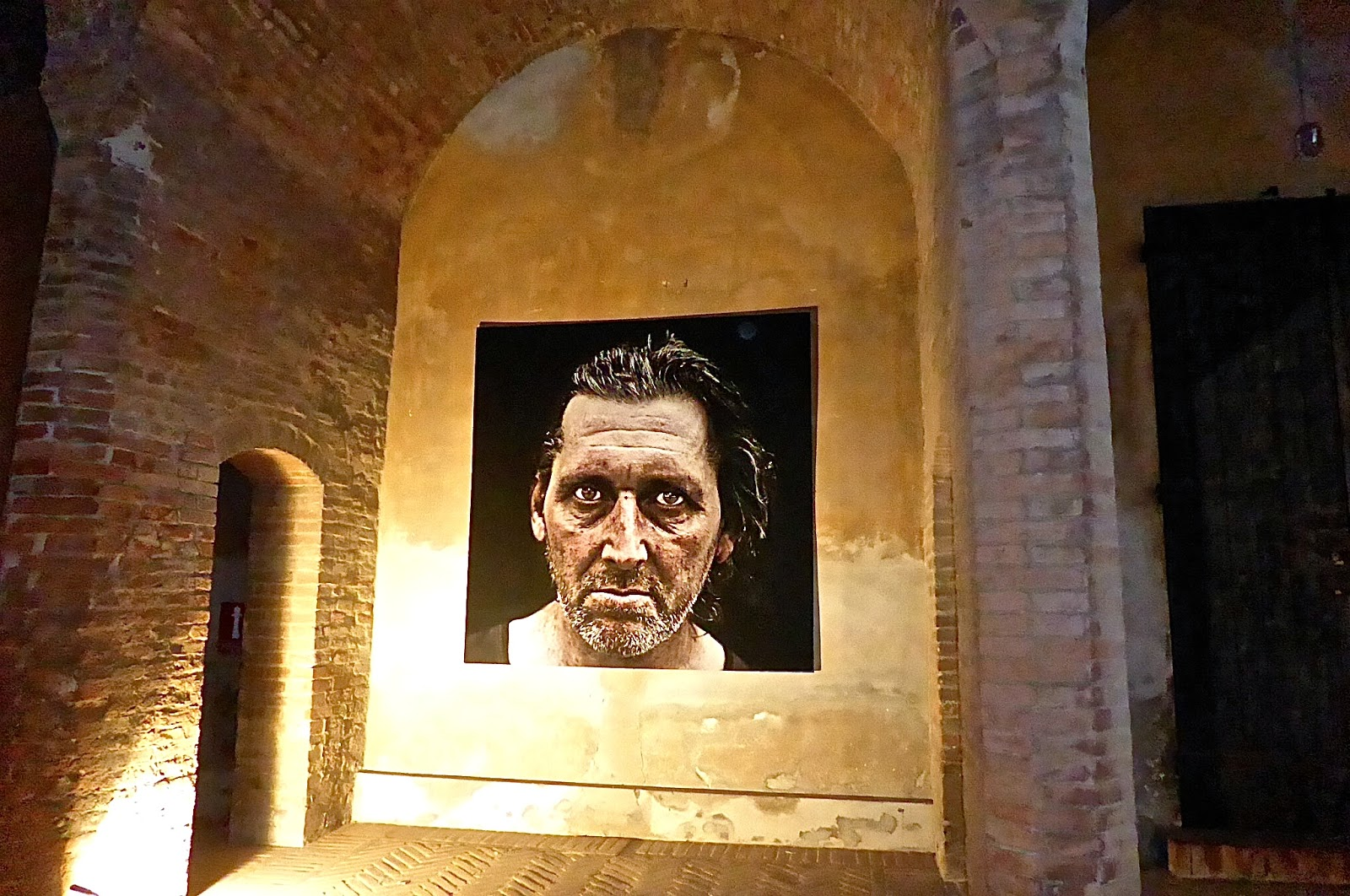 Facciamo un giro in centro in visibili mostra fotografica for Casa artigiana progetta il maestro del primo piano