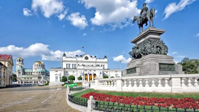 sofia-piazza-assemblea-nazionale-poracci-in-viaggio