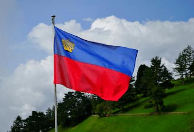 Liechtenstein%2B%2Bflag min