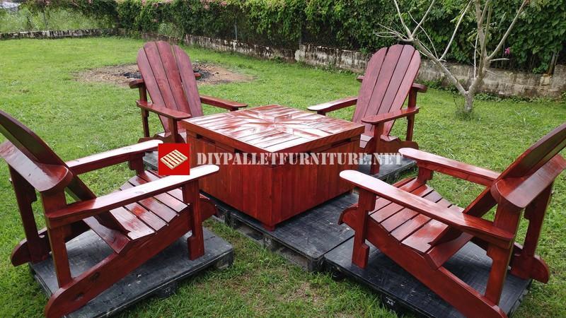 Mueblesdepalets.net: Sillas adirondack y mesa para el jardín