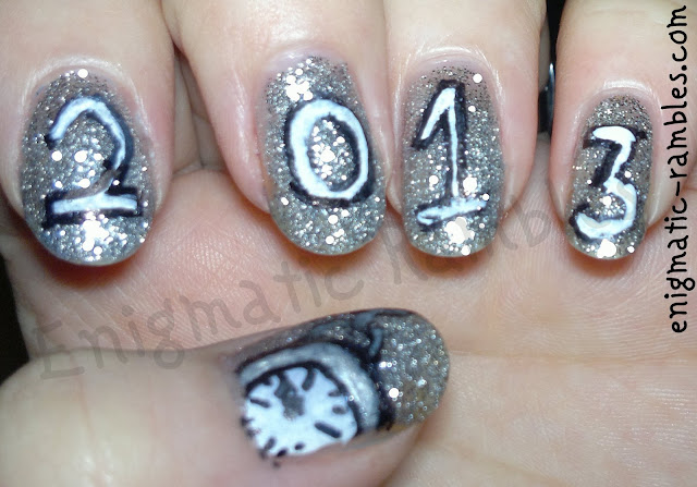 2013-new-years-eve-nails