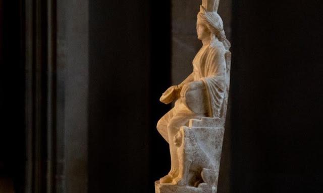 Άγαλμα της Κυβέλης με ελληνική επιγραφή που κλάπηκε κατά την δεκαετία του 1960 επέστρεψε στην Μ Ασία