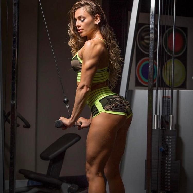 Caroline Campos - WBFF pro athlete