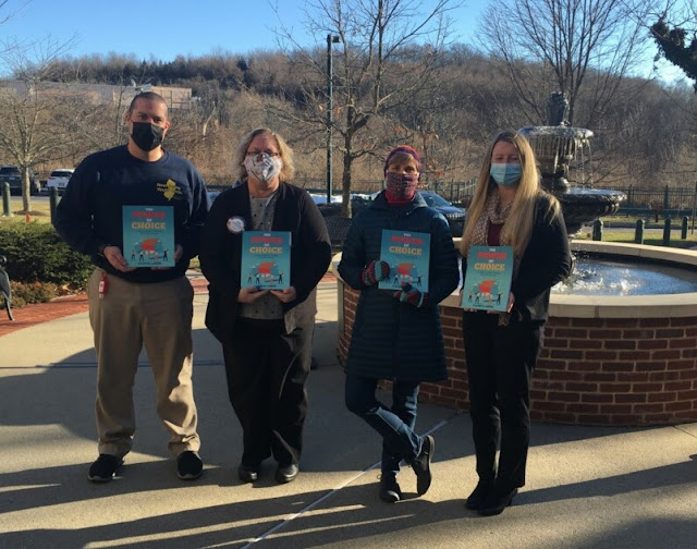 Branchville NJ Rotary facilitates book donation to Project Self-Sufficiency