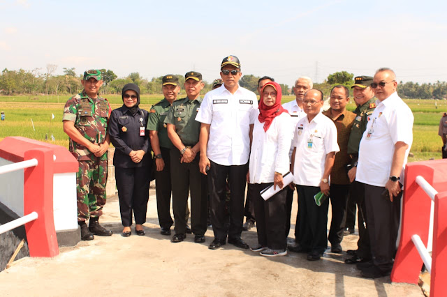 Komisi I DPR RI dan Jendral Bintang Satu Serta Kemenhan RI Tinjau lokasi TMMD Kodim Klaten