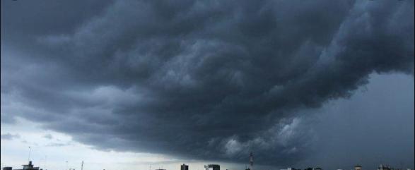 Waspada Hujan Ekstrem Jabodetabek, Peringatan Cuaca Buruk Beberapa Jam Kedepan
