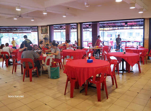 Typical chinese restaurant decor and setup